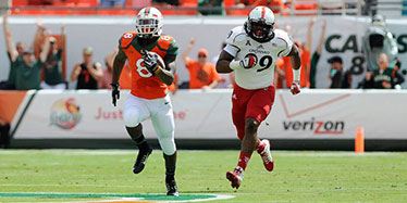 Duke Johnson running past Cincy