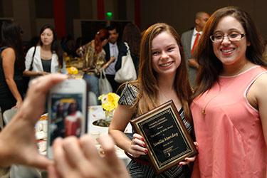 Senior Noelle Mendez received the Louise P. Mills Award